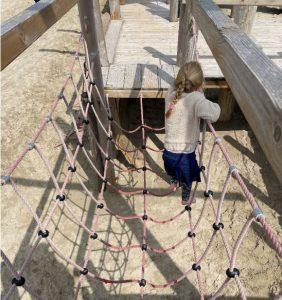 touwbrug speelschip